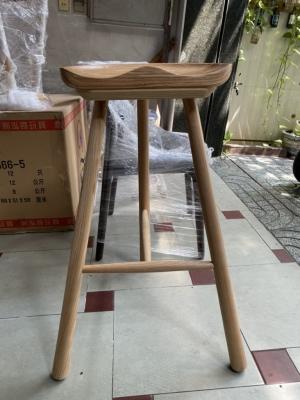 Ghế bar gỗ 3 chân